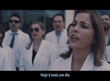 Médicos do Ceará usam música de fim de ano da Globo para protestar; veja vídeo