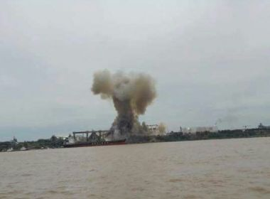 Explosão em porto na Argentina deixa pelo menos um morto