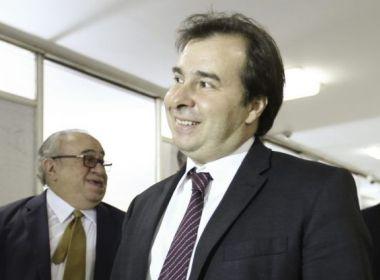 Maia pode ter apoio de cinco partidos para campanha à Presidência, diz colunista