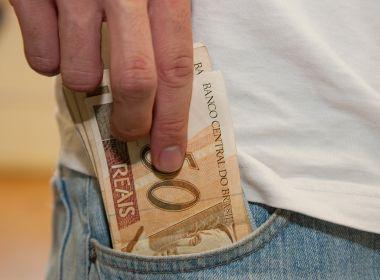 Rombo nas contas: 94% dos brasileiros querem corte de benefícios a políticos contra déficit