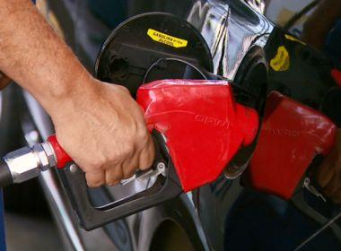 Preços do diesel e da gasolina sofrem redução de 0,7%; reajuste vale para sábado