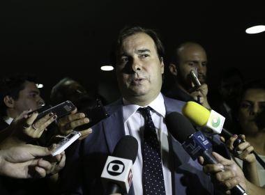 Rodrigo Maia avalia que rebaixamento de nota pode ajudar na aprovação da Previdência