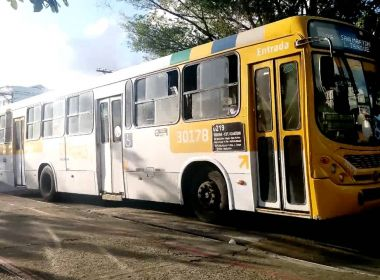 Dois adolescentes e um jovem de 18 anos são capturados após assalto a ônibus em SSA