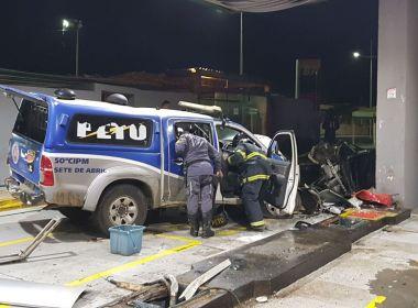 Perseguição policial termina com acidente e incêndio em posto no Aeroclube