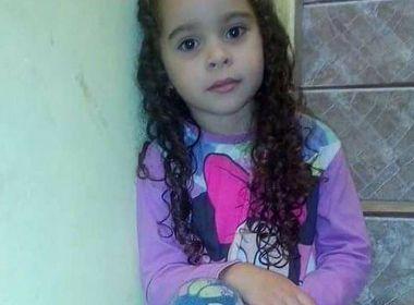Menina de 7 anos morre após inalar desodorante em desafio da internet
