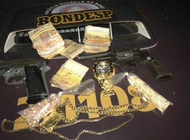 Suspeito de gerenciar tráfico no Nordeste é preso com R$ 10 mil e tenta subornar PMs