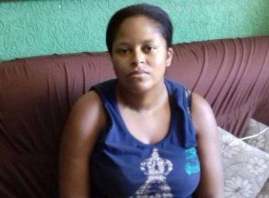 Mulher descobre que 'morreu' para governo ao ter medicamentos de alto custo recolhido