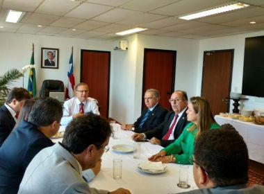 Fábio-Vilas Boas apresenta a deputados investimentos da saúde pública da Bahia