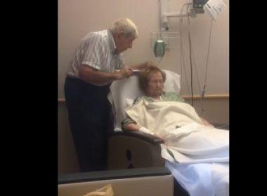 Em vídeo, idoso cuida de esposa internada e repercute na web: 'Amor verdadeiro'