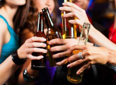 Estudo aponta que aconselhar alguém a não beber pode incentivar o contrário