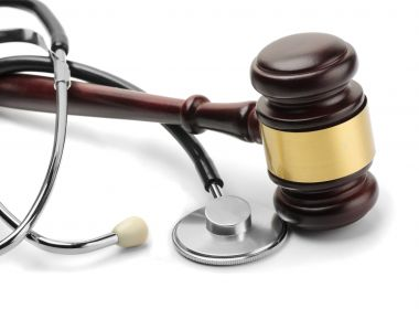 Mesa redonda discute soluções para a judicialização da saúde no CAB