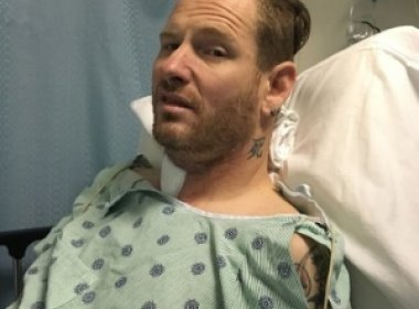 Slipknot adia shows após cirurgia de emergência de vocalista