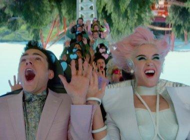 Katy Perry inaugura parque de diversões no novo clipe; assista 'Chained to the Rhythm'