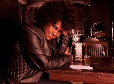 Sandra de Sá faz show intimista no Café-Teatro Rubi