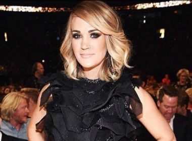 'Estarei um pouco diferente', diz Carrie Underwood após levar 50 pontos no rosto