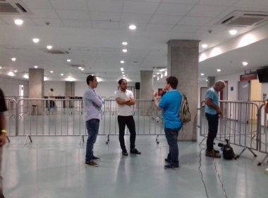 Próximo do anúncio oficial, Régis comparece na Arena Fonte Nova