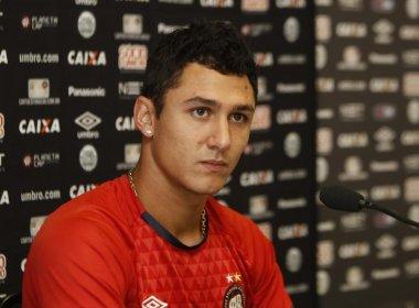 De saída do Atlético-PR, meia Vinícius negocia com o Bahia