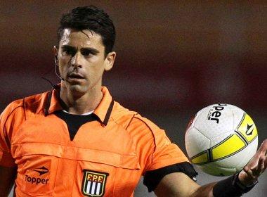 Flávio Rodrigues de Souza apita partida entre Bahia e Fluminense