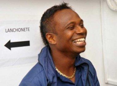 Após pagamento de parte de pensão atrasada, Edilson Capetinha é solto em Brasília