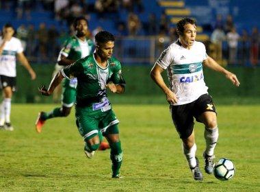 Em jogo com expulsões, Conquista perde para o Coritiba e deixa Copa do Brasil