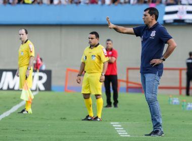 'Vamos brigar pela parte de cima', promete Carille após liderança do Corinthians
