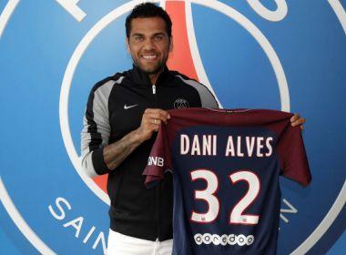 PSG oficializa contratação de Daniel Alves por duas temporadas