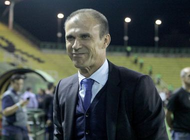 Técnico do Vasco lamenta derrota, mas elogia postura do time: 'lutamos bastante'