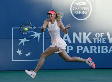 De volta aos Estados Unidos, Maria Sharapova vence com direito a pneu