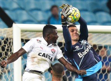 Kanu aprova seu desempenho diante do Grêmio: 'Dei conta do recado'