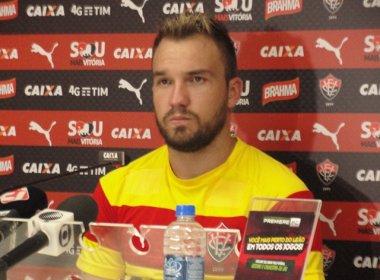 Willian Farias lamenta agressão de torcedores ao zagueiro Victor Ramos