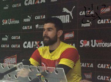 Fernando Miguel valoriza exibições do Vitória, mas espera evolução: 'Temos buscado isso'