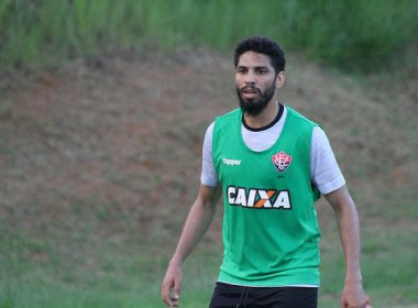 Wallace é registrado no BID e vai reestrear contra o Palmeiras