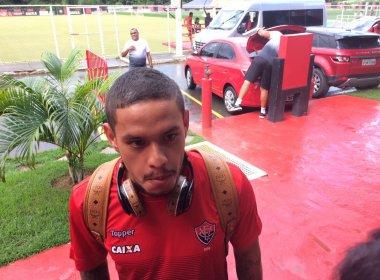 Carlos Eduardo sofre edema na coxa e não encara o Flamengo
