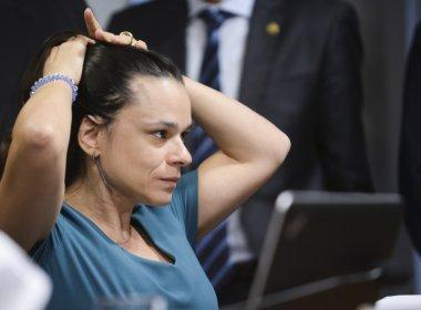 Provocada por Randolfe, Janaina apoia impeachment de Michel Temer