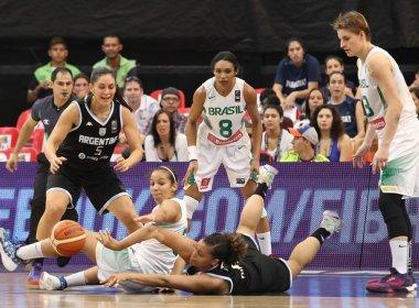 Seleção feminina sua, mas bate Argentina e decidirá o Sul-Americano de basquete