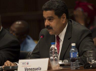 Às vésperas de greve geral na Venezuela, Maduro eleva salário mínimo em 40%