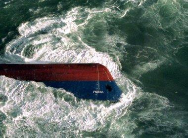 Pelo menos 20 morreram em naufrágio na Malásia; barco transportava 90 pessoas
