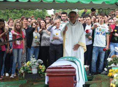 Presidente da Chapecoense, Sandro Pallaoro é enterrado em Chapecó