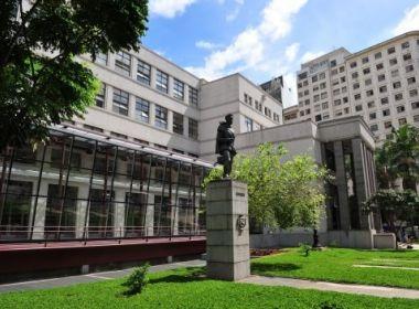 15 mil obras doadas estão em sala fechada na Biblioteca Mário de Andrade