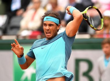 Nadal abre luta por 10º título em Paris com vitória fácil; Djokovic também vence