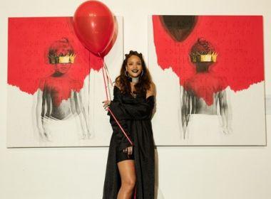 Rihanna dá conselho amoroso a fã no Twitter: 'Acredite que o término foi um presente!'