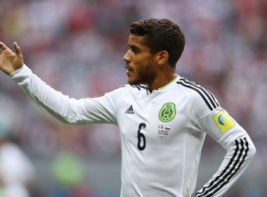 Após México sofrer para avançar à semi, meia defende rodízio de Osorio na Rússia