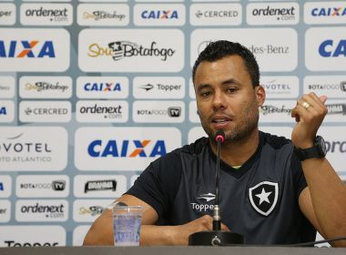 Jair festeja 1ª vitória como técnico do Botafogo no Maracanã: 'Dia especial'