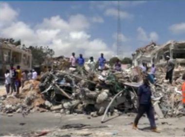 Ataque terrorista na Somália deixa mais de 300 mortos e 400 feridos