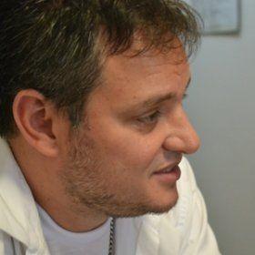 Manno Góes fala sobre saída do Jammil, critica possível interferência estatal no Ecad e apatia dos artistas