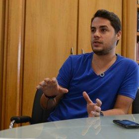 Levi Lima comemora nova fase no Jammil, comenta boatos sobre saída da banda e diz não existir primeiro escalão do axé