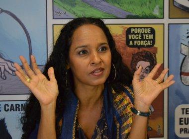 À frente da Banda Simpatia, Carla Visi valoriza o axé dos anos 90: 'Tem que ter resistência'