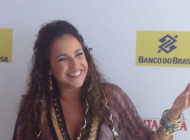 Daniela Mercury se emociona em coletiva sobre camarote, que será dirigido por Malu Verçosa