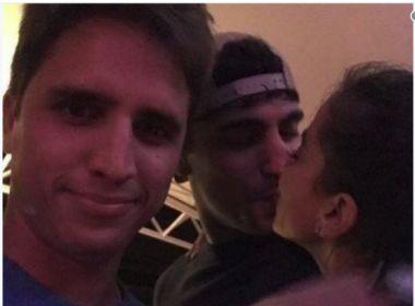 Anitta é fotografada aos beijos com Thiago Magalhães e assume relacionamento