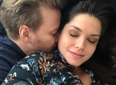 Em parto prematuro, Thais Fersoza dá à luz 2º filho com Michel Teló: 'Presente do Senhor'